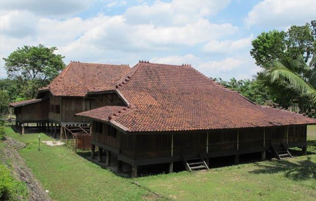 rumah adat sumatera-rumah limas